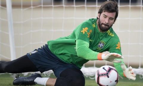 Fora desde a Copa América, Alisson comemora volta à Seleção Brasileira