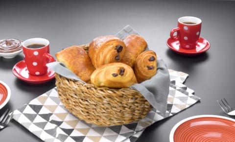 Croissants de chocolate caseiro
