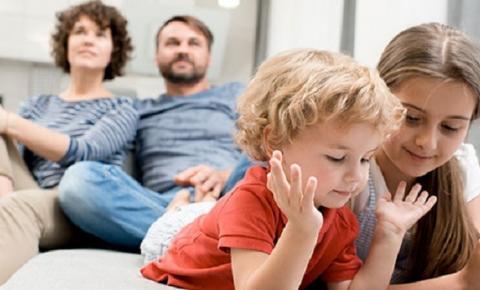 Cuidados básicos para pais e filhos nas redes sociais