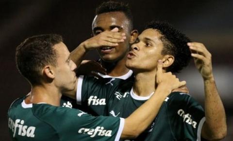 Palmeiras vence de virada na estreia da Copinha