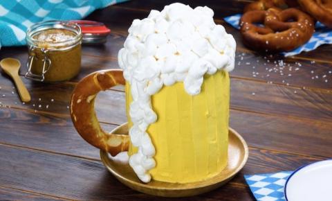 Saúde! Bolo de cerveja para uma noite regada