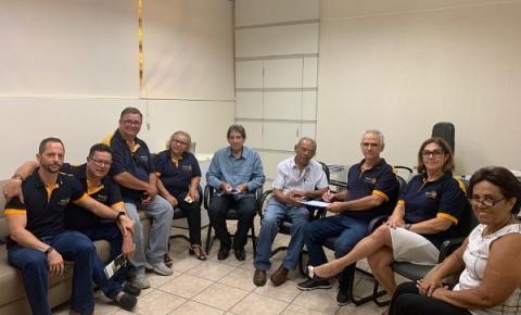 Rotary Centenário faz doação de focos cirúrgicos para Santa Casa de Araçatuba