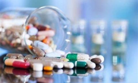 Os perigos da ingestão de remédios psiquiátricos com álcool e outras medicações