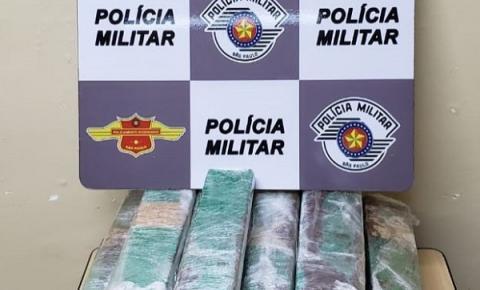 PM Rodoviária prende mulher com 28 tijolos de maconha em Catanduva