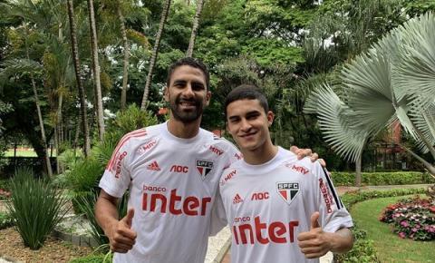 Rodrigo Nestor e Trellez passam a treinar com o elenco