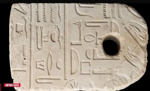 Veterinário encontra âncora egípcia de 3400 anos por acaso ao mergulhar em Israel