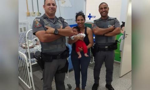 Polícia Militar salva criança de apenas 33 dias de vida que estava engasgada