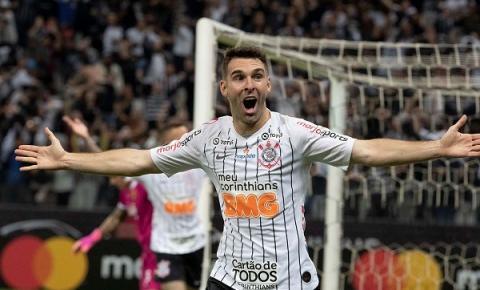 Corinthians recebe o Santo André pelo Paulistão