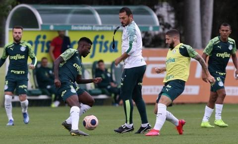 Luxemburgo comanda treino coletivo visando clássico contra Santos