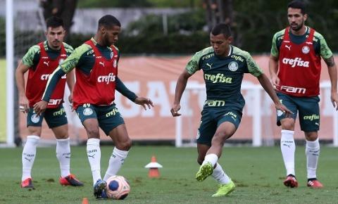 Elenco faz mais um treino tático em preparação ao duelo com Santos