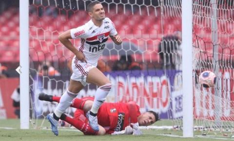 Antes de estrear na Libertadores, Tricolor vence a Ponte Preta