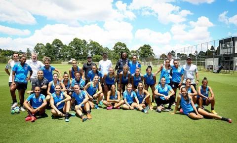 Corinthians celebra mês da mulher com treino aberto no Parque São Jorge e evento na Arena