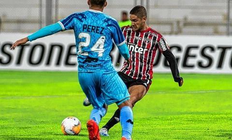 São Paulo perde de virada na estreia da Libertadores