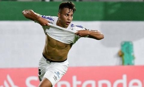 """Herói na Liberta, Kaio Jorge comemora primeiro gol pelo Santos FC: """"Sempre sonhei"""""""