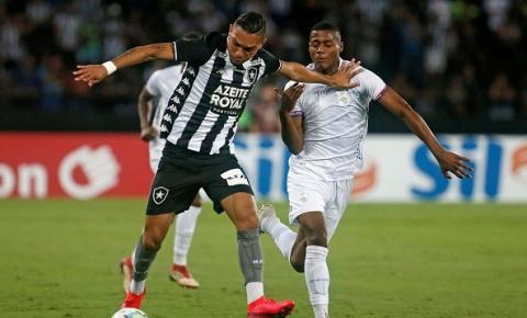 Mesmo sem Honda, Botafogo vence Paraná