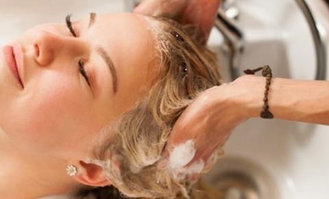 Reconstrução Capilar para Cabelos Alisados: Entenda a importância do tratamento para quem tem cabelos com química