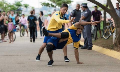 Grupo Zumb.boys anuncia agenda de Março com temporada de Dança por Correio