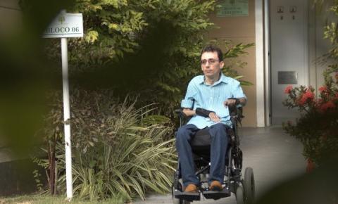 Tocando em frente: tetraplégico formado em Psicologia é exemplo de superação