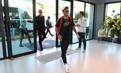 Neymar e Thiago Silva decidem enfrentar quarentena de coronavírus no Brasil