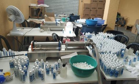 Polícia Militar desmantela fábrica clandestina de álcool em gel em Mogi das Cruzes
