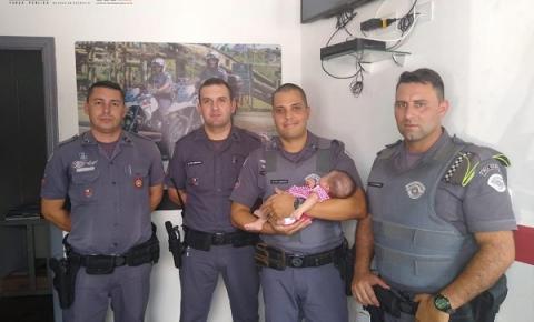 Recém - nascida desfalecida é salva por Policiais Militares