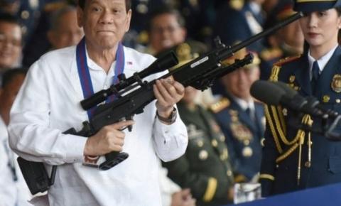 """Presidente das Filipinas autoriza policiais a """"atirar para matar"""" em quem tumultuar na quarentena"""
