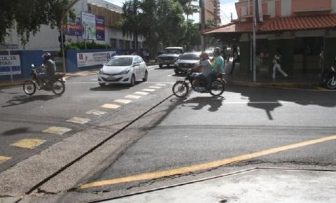 Sinalização de trânsito na esquina da rua 9 de Julho com a rua João Galo será alterada