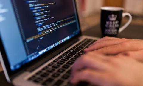 Para melhorar o processo seletivo, instituições de ensino adotam ferramentas online