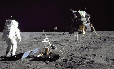 Vamos explorar o espaço? Saiba como o governo americano está buscando tomar posse de terrenos na Lua