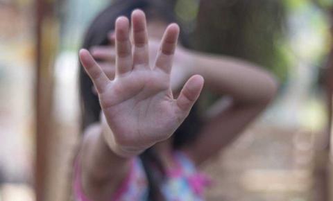 Tio suspeito de estuprar menina de 10 anos no ES continua foragido