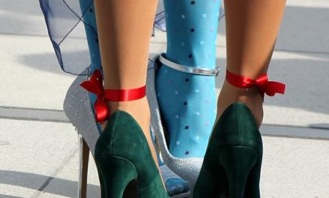 5 dicas de cuidados com os pés para quem usa muito salto alto