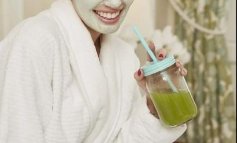 Como fechar os poros do rosto? Descubra 5 formas de cuidar da pele em casa