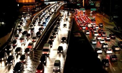 Congresso aprova mudanças no código de trânsito e aumenta limite de pontos da CNH