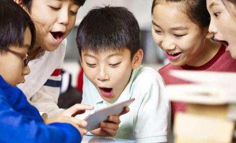 China vai banir serviços online 'viciantes' para crianças