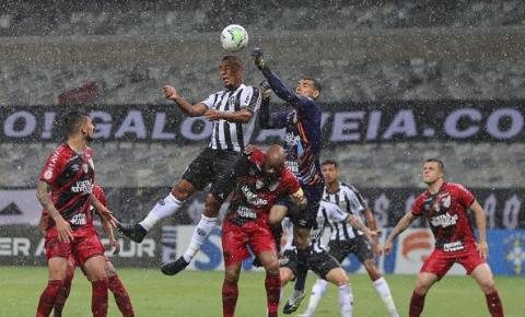 Athletico-PR embala na Série A e impede líder Atlético-MG de disparar