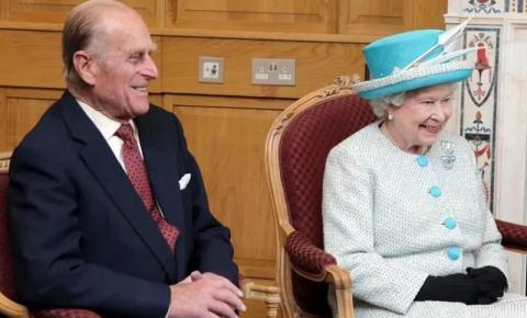 Príncipe Philip é internado em Londres