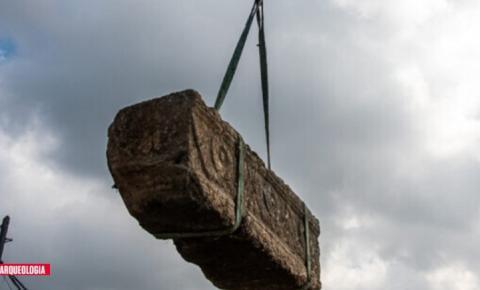 Dois raros sarcófagos de pedra de 1800 anos são encontrados por acaso em em Israel