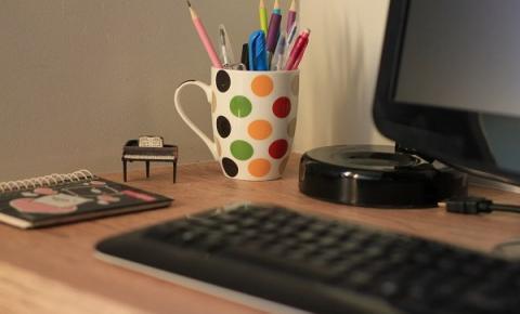 Como escolher a escrivaninha ideal para trabalhar em casa