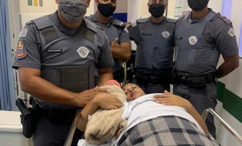 Policiais Militares do 5 Batalhão de Polícia Militar de São Paulo fazem parto de emergência dentro do carro da mãe