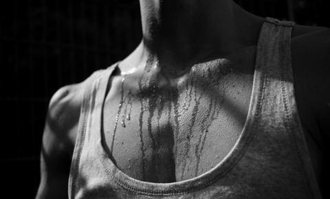 Cirurgia que elimina suor excessivo é rápida e eficaz