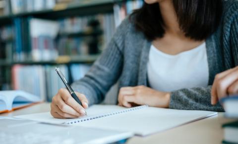 Universidade de Coimbra muda critérios para ingresso de brasileiros com nota do Enem