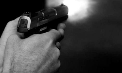 Homem é morto a tiros em bar localizado na rua Baguaçu
