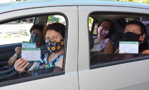 Mais de 400 profissionais da Educação foram imunizados contra a covid-19 neste sábado