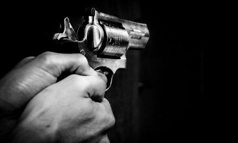 Empresário em é preso pela PM, após denúncia de disparos de arma de fogo no bairro Chácaras Sossego