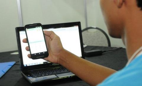 Acesso de estudantes à internet aumenta para 88,1% em 2019, diz IBGE