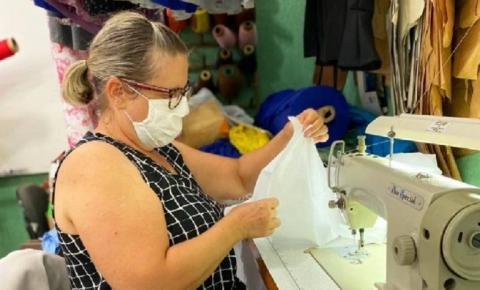 Secretaria de Assistência Social confecciona lençóis de cama para o Pronto Socorro Municipal