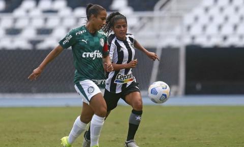 Brasileiro Feminino: Palmeiras goleia e segue na cola do Corinthians