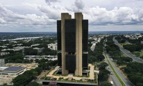 Mercado financeiro eleva projeção da inflação para 5,01% em 2021
