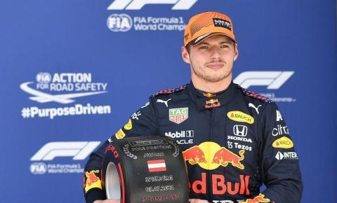 Verstappen largará na pole na Áustria, com Hamilton em quarto
