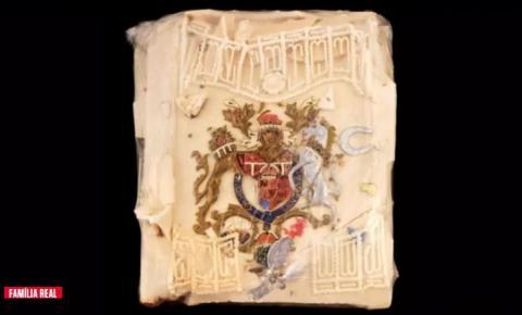 Fatia de bolo do casamento do príncipe Charles e Lady Di é leiloado por preço recorde